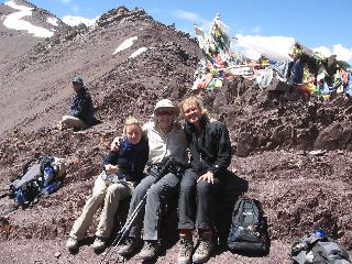 Maryann Ayim - Happy Himalayan Hip - Maryann with Sanjay at Stok Kangri base camp